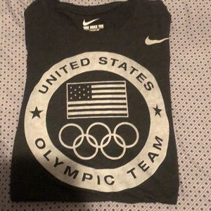 Men's Nike Sz Small USA Olympic T-shirt